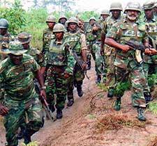 Soldati della JTF dell'esercito nigeriano