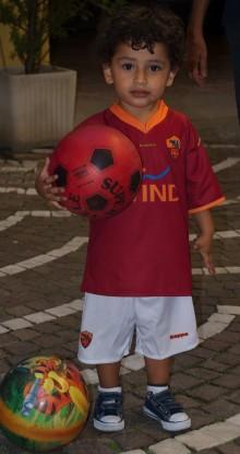 Diego, un piccolo romanista a Milano