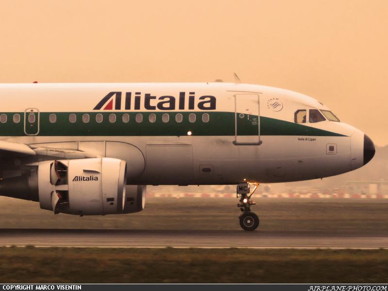 mxp-alitalia-airbus-a319-112-0002